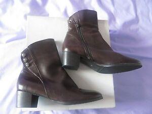 d3f082ccdf4a4 BNIB Riva Brown Leather
