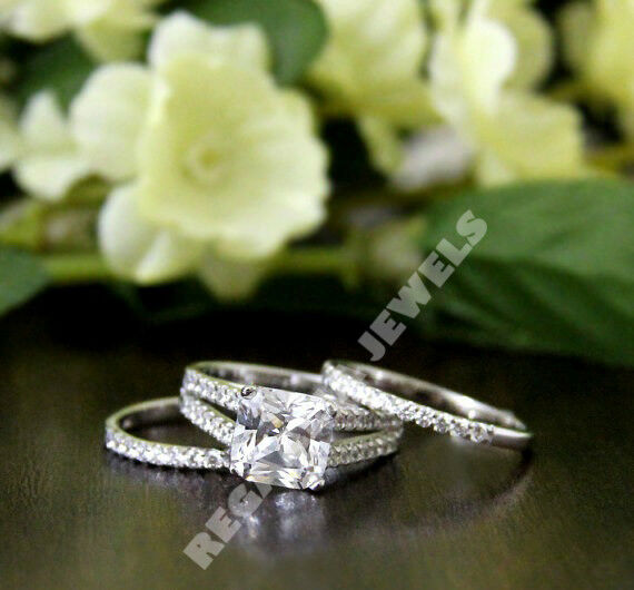 Cushipn cut D VVS1 diamond Wedding 3 pcs bridal ring set in 14k white gold over