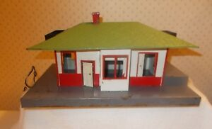 A-C-Gilbert-American-Flyer-Mystic-Passenger-and-Freight-Station-589-S-Scale