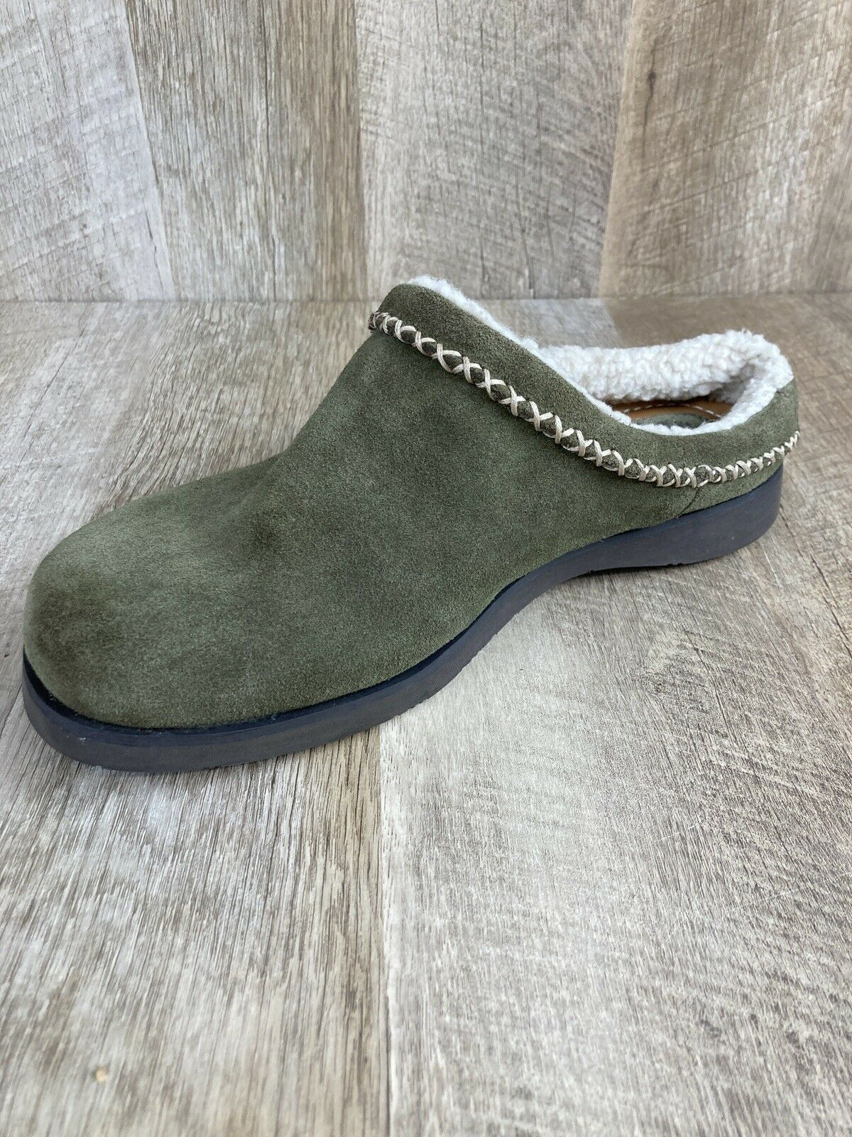 Fossil Slip On women's mule fur lined Green suede flat shoes US size 10