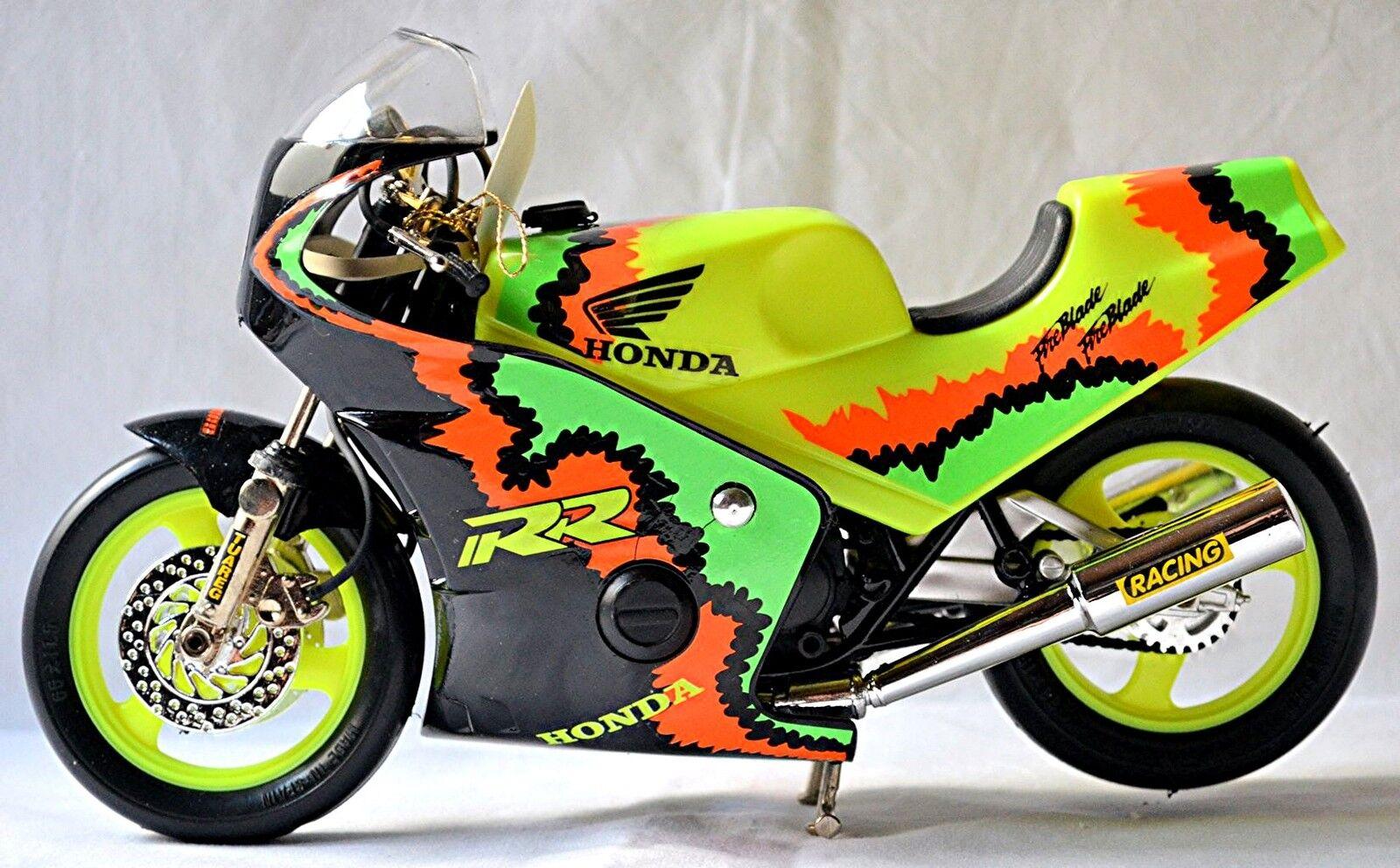 Le rythme cardiaque est pire que l'action! Honda CBR CBR CBR 900 RR Fire Blade 1992 Noir Noir 1:10 | Service Supremacy  41caaa