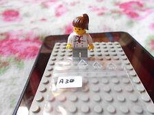 LEGO  VINTAGE   MINIFIG   OMINO  7641-1: City Corner  FEMALE