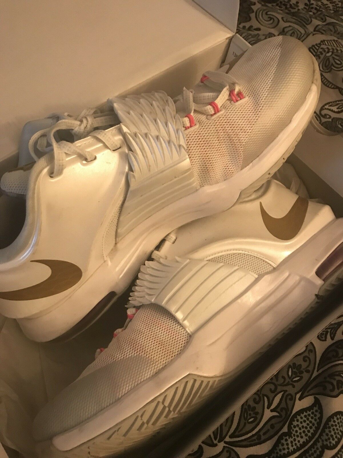 KD 7 VII PRM Aunt Pearl Breast Cancer Nike Pink Size 10