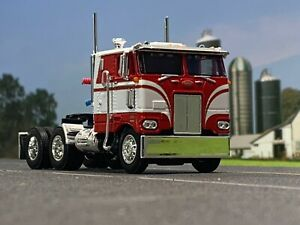 1-64-DCP-RED-WHITE-352-PETERBILT-86-034-COE