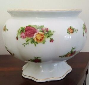 Large-Royal-Albert-Old-Country-Roses-Flower-Rose-Bowl-Centrepiece-with-Frog