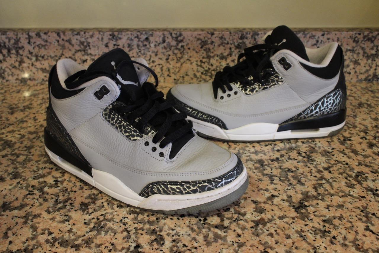 Air Jordan Retro III 3 Infrared  136064-004 sneaker size 8 (SN100