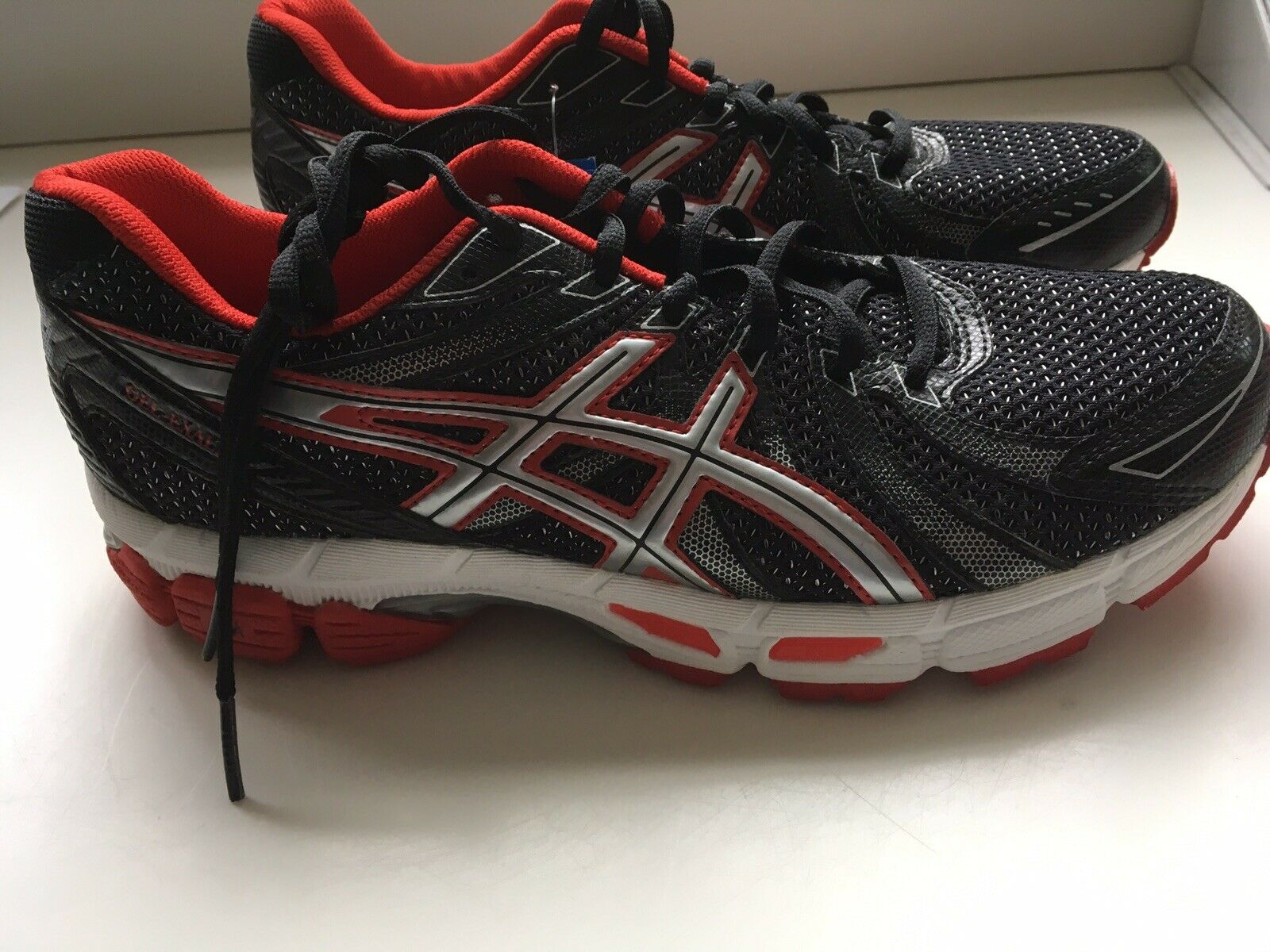 Men's size 7.5 Asics blk red Gel Axalt Duomax brand new w out box