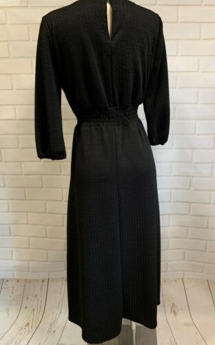 BEAUTIFUL BLACK TEXTURED MATERIAL DRESS SIZE 10-20
