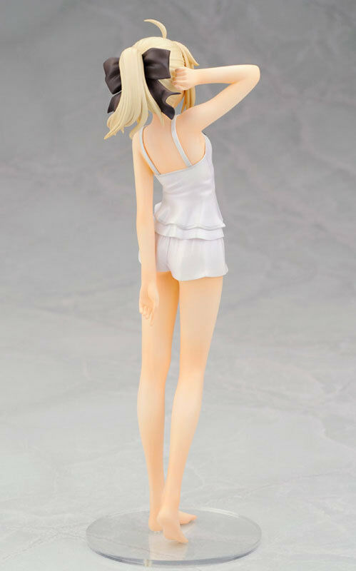 Figurine Figure Fate Stay Night - Saber -1 8 8 8 - Summer Ver. (Alter) (From France) 3d3e1e