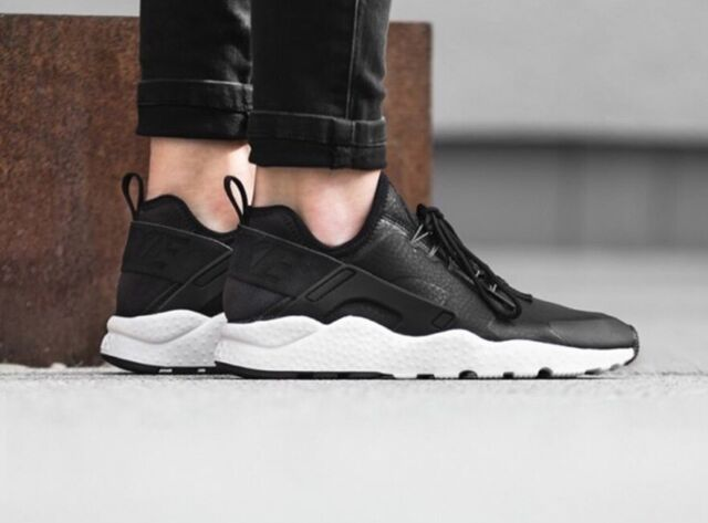 WMNS NIKE AIR HUARACHE RUN
