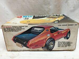 1974 CORVETTE Model 1/25 Scale 454 V8 Engine  (vintage) by AMT COMPLETE
