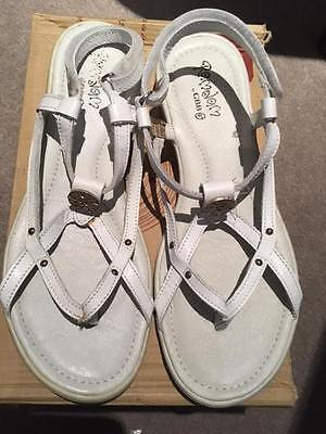 RAMDAM GIRLS'/LADIES WHITE LEATHER SANDAL RRP £41.95 AUTUMN SALE NOW £8.99