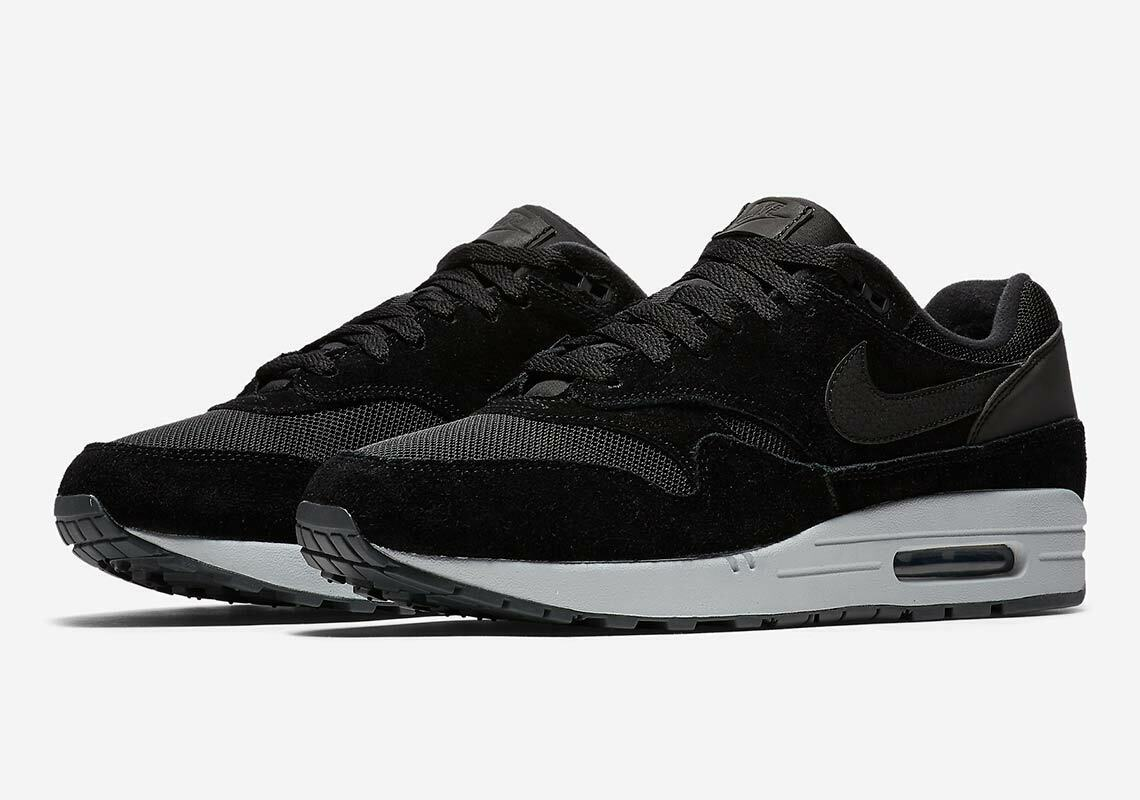 Nike Air Max 1   Men's Size 9.5 Black Pure Platinum Reflective AH8145-006