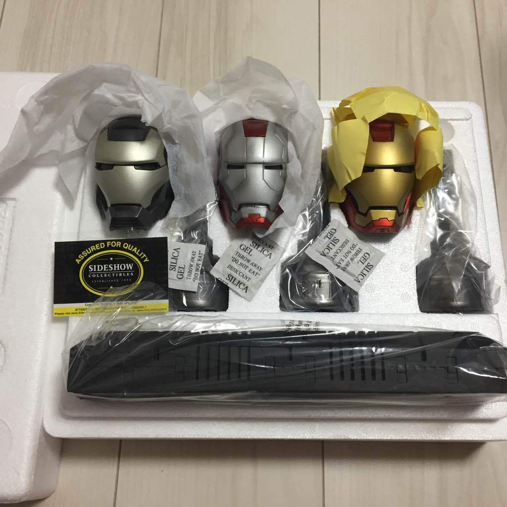 Iron Man 2 Helmet Set 1 3 Side shaw toys Comicon 2011 Rare world limited 1200