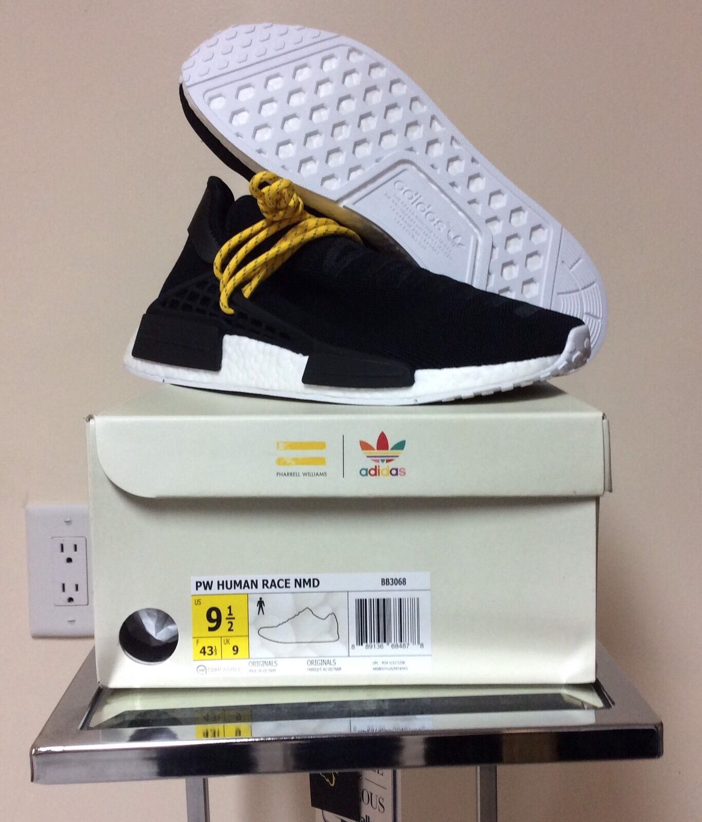 Adidas nero nmd hu bb3068 razza umana pharrell williams, nero Adidas e giallo specie umana 4c2a75