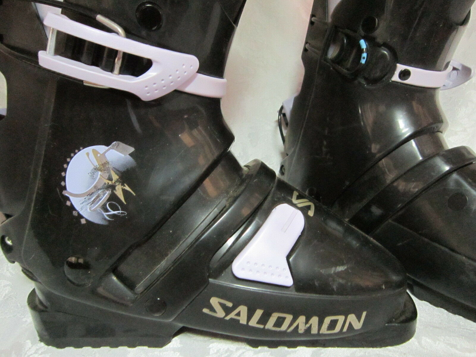Women's Solomon Snow Ski Boots Size 23.5 or 6 1 2 used only once Easy Off & On