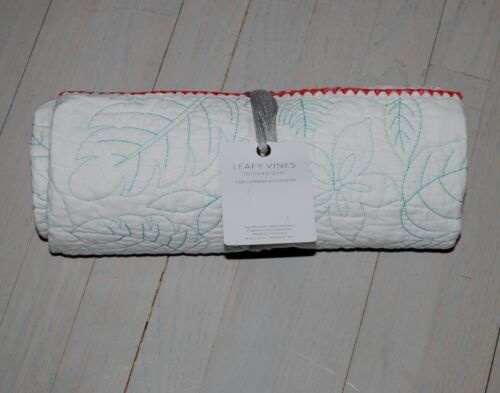 """Anthropologie toddlers quilt leafy vines motif size 38/"""" x 50/"""" reversible NWT"""