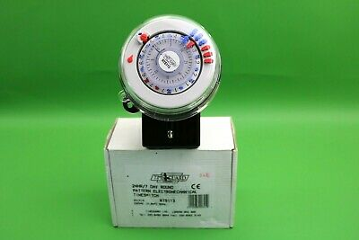 Timeguard 24 Hr//Half Day 3 Pin 20A Round Pattern Time Controller RTS113