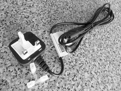 "Attivo Uk Britannica Inglese Cavo Di Alimentazione Dispositivi A Freddo Cavo Ac Rete-cavo Uk Power Lead-l Ac Netz-kabel Uk Power Lead"" Data-mtsrclang=""it-it"" Href=""#"" Onclick=""return False;""> Garanzia Al 100%"