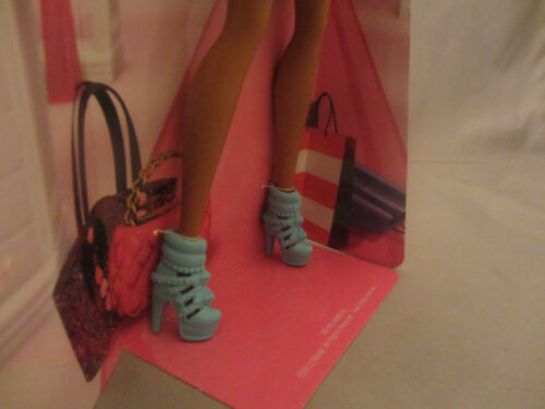 DRESS NIKKI IN ORIGINAL PACKAGE BRAND NEW BARBIE DOLL SHOES /& ACCESSORY