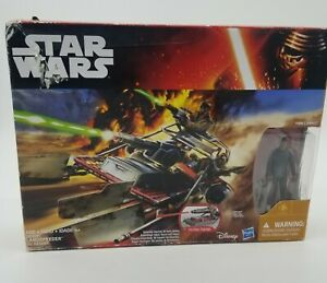 ** 2015 - Hasbro Star Wars The Force Awakens Desert Landspeeder w/Finn (Jakku)**