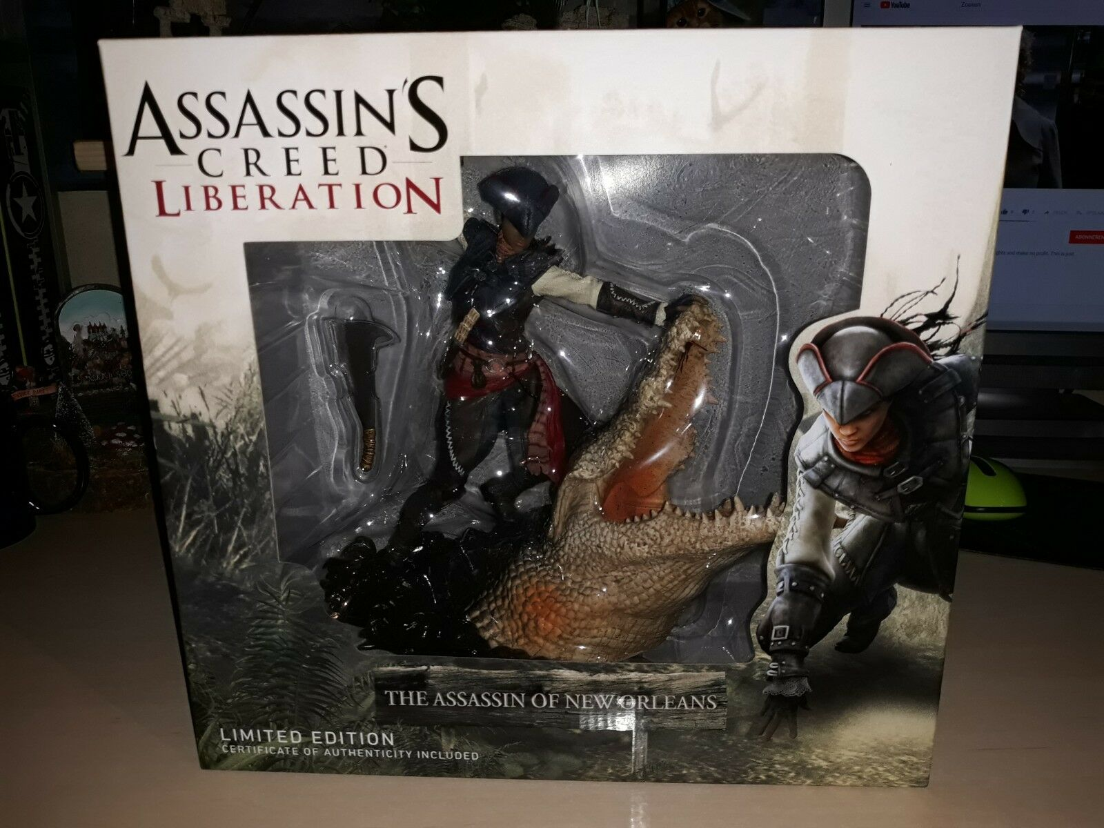 ASSASSIN'S CREED LIBERATION - AVELINE THE ASSASSIN OF NEW ORLEANS FIGURINE 27 cm
