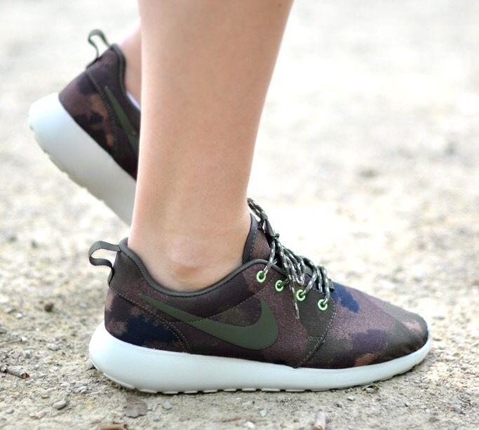 Raro Nuevo Nike Rosherun Estampado para para para Mujer Zapatos Para Correr 100% Auténtico  Los mejores precios y los estilos más frescos.