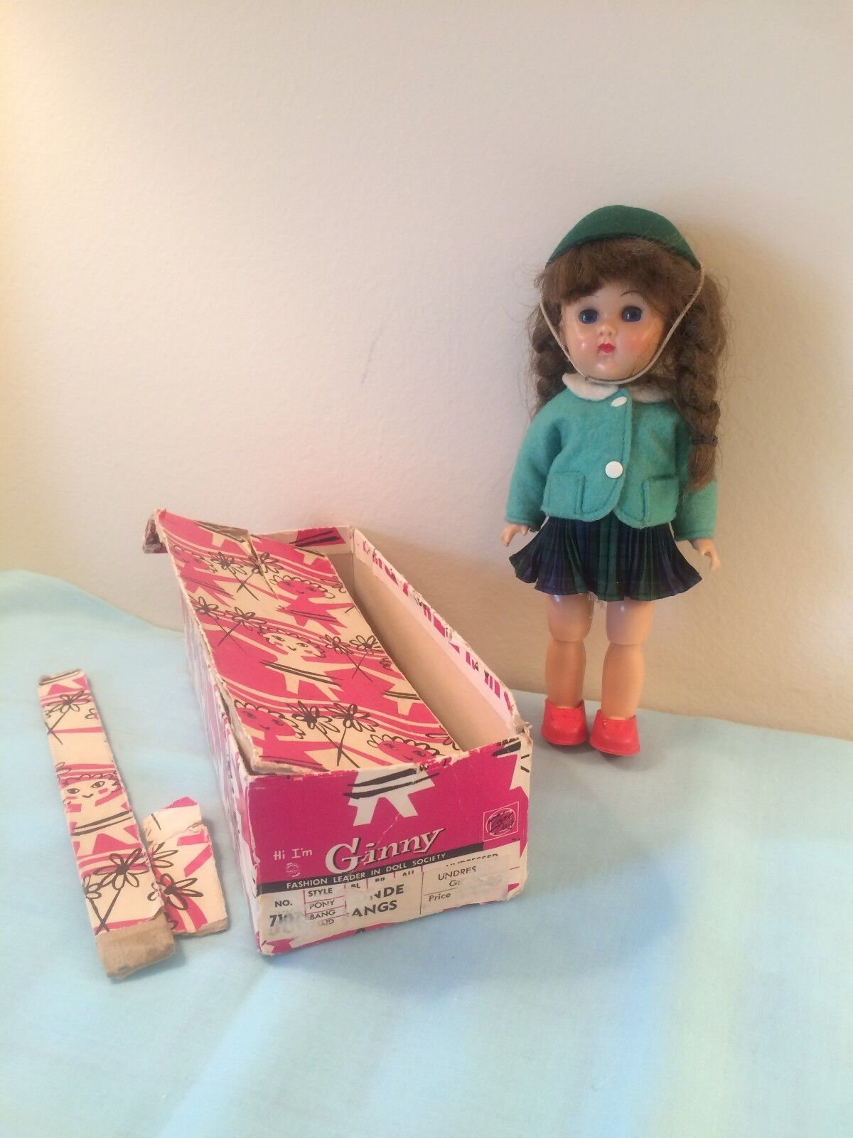 Vtg 1950's Vogue-Ginny Doll Bent Knee Walker w school outfit w original doll box