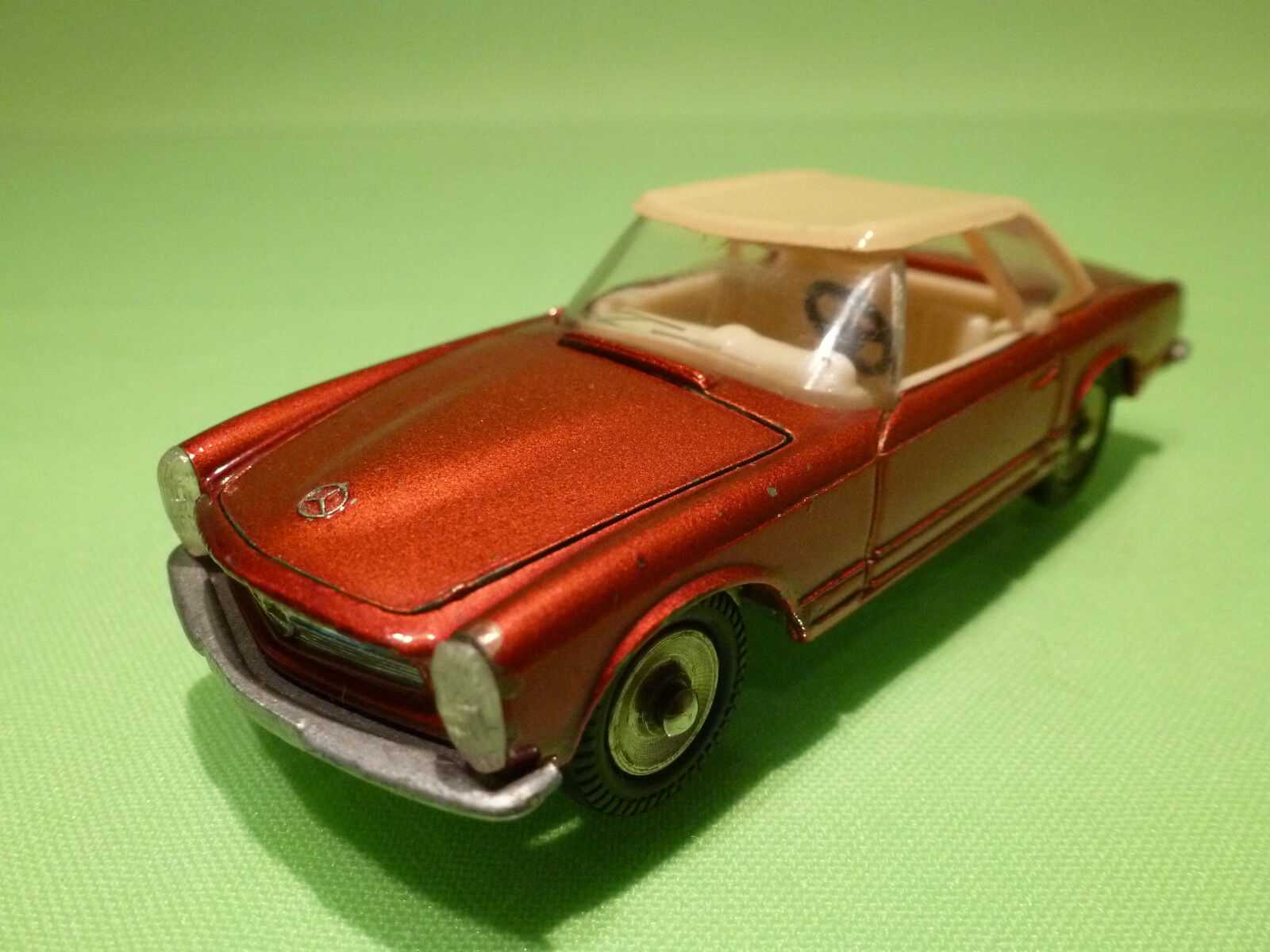 DINKY TOYS 516 MERCEDES BENZ 230 SL - rouge 1 43 - PERFECT RESTAURATION - CODE 3