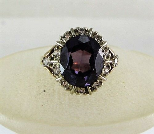 10K YELLOW gold OVAL AMETHYST & CLEAR STONE RING (SIZE 5.75) 5.2G