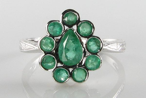 DIVINE 9CT WHITE gold ART DECO INS EMERALD TEAR DROP PEAR RING