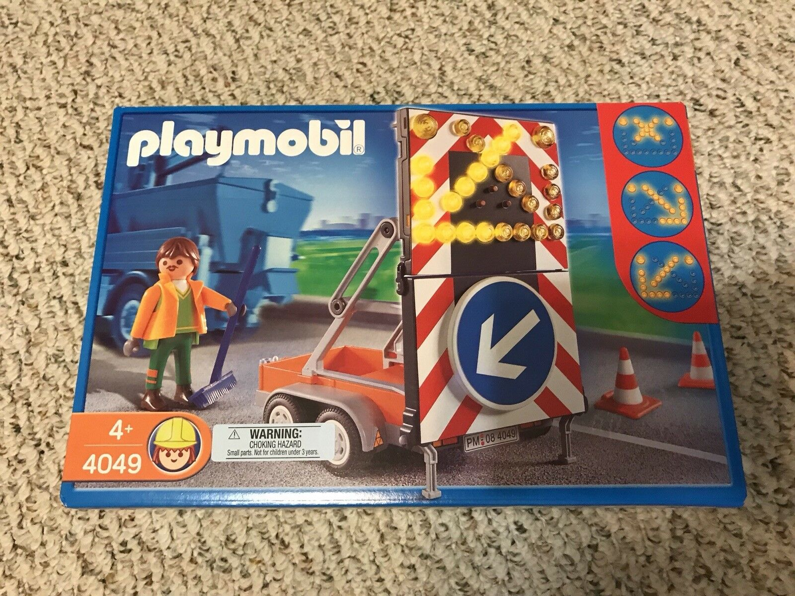 NEW RARE playmobil 4049 Signal On Trailer