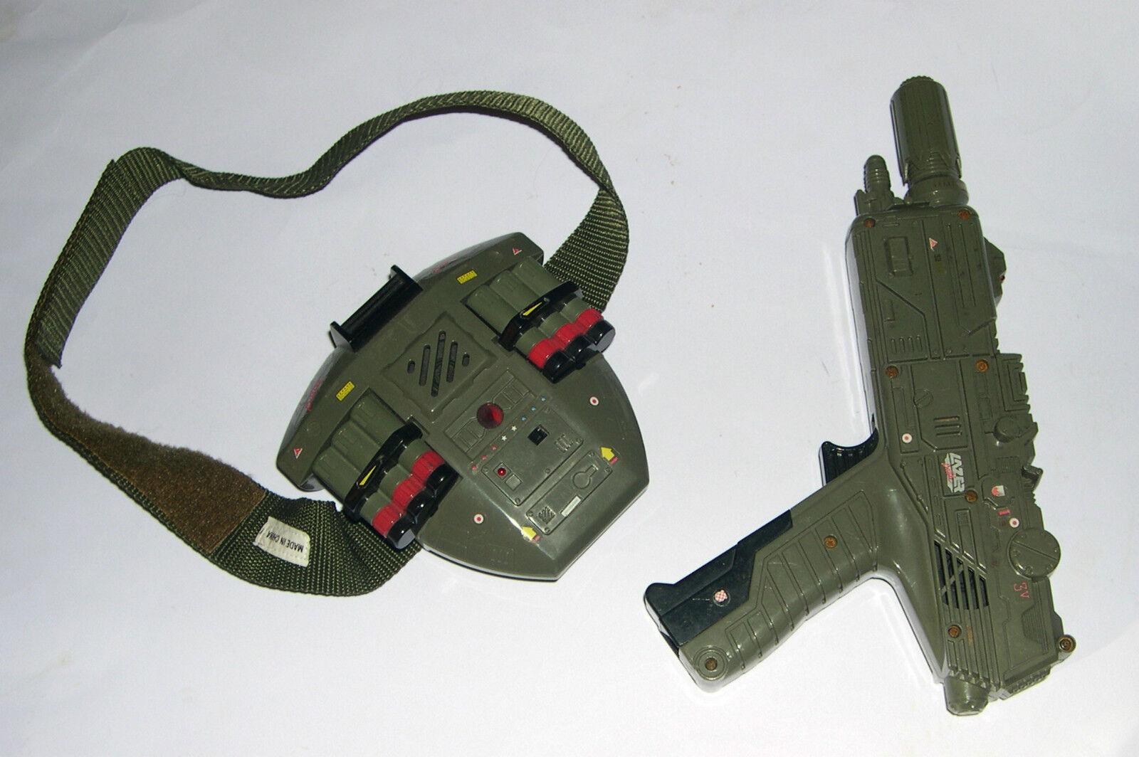 FULL SIZE GI Joe (NOT FOR ACTION FIGURE) Infra Red Laser Handgun and target set.