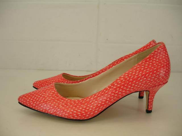 Womens 5.5 M Nine West Xeena Pointed Toe Pump Coral orange 2  Kitten Heels shoes