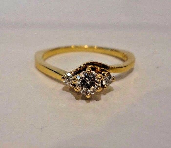 (RI1) Lady's 18k Yellow gold Diamond Engagement Promise Ring .30 TCW Size 7.5