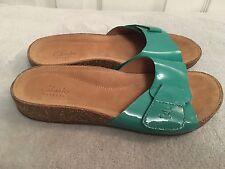 974236ef7b29 Clarks Ladies Perri Reef Green Patent Leather Slip On Sandals Sliders UK 5  D New