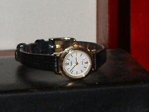 Pre-Owned-Women-s-Timex-Black-amp-Gold-Casual-Analog-Watch
