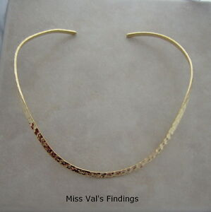 2-neckwire-necklace-gold-plated-plain-hammered-choker-base