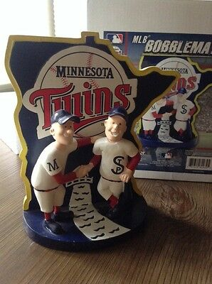 Minnesota Twins Minnie & Paul Bobblehead Forever Collectibles Limited Edition