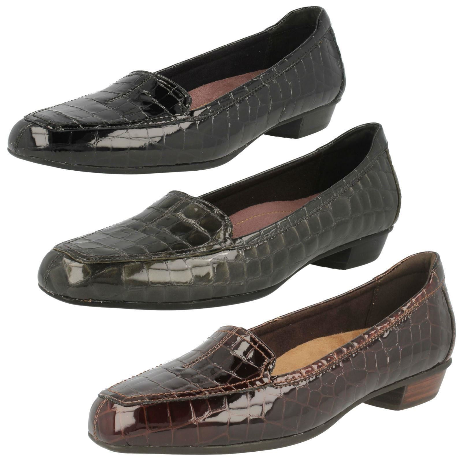 LADIES CLARKS PATENT CROC CASUAL SLIP ON LOW HEEL LOAFERS SHOES CASWELL TIME