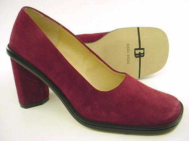New BISOU Women Red Suede Slip On High Heel Evening Dress Pump shoes Sz 5.5 M
