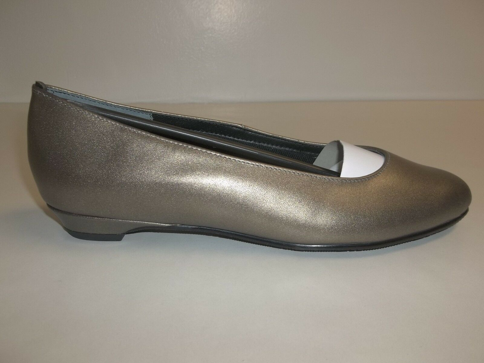 Rose Petals Größe 8 Wide BUTTER Bronze Leder Dress Pump Flats New Damenschuhe Schuhes