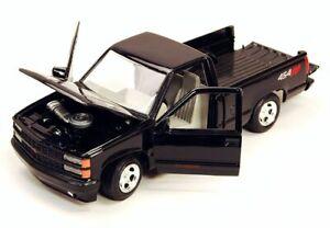 GMC-SIERRA-GT-PICK-UP-NERO-Classic-Metal-modello-auto-MotorMax-1-24
