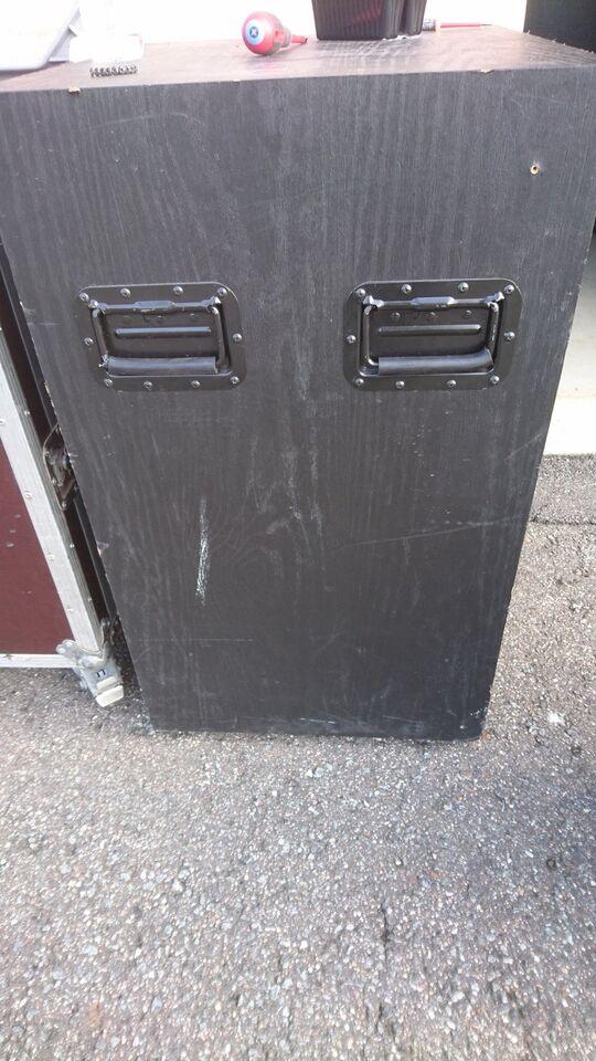 bundkasser, Electro voice TL 15-2