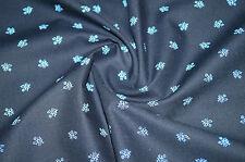 3061/3 Dirndlstoff Trachtenstoff Tracht Schwarz mit hellblauen Blüten
