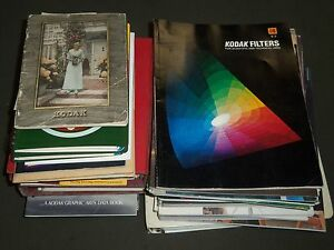 1912-1980'S KODAK GUIDES AND LITERATURE LOT OF 38 PIECES - NICE PHOTOS - O 1351