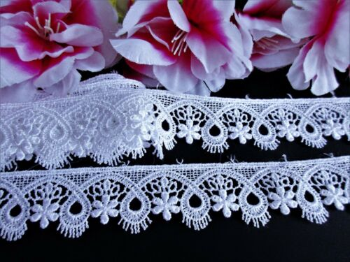 price for 1 yard Beautiful White Venise  Lace Trim  with Beautiful design