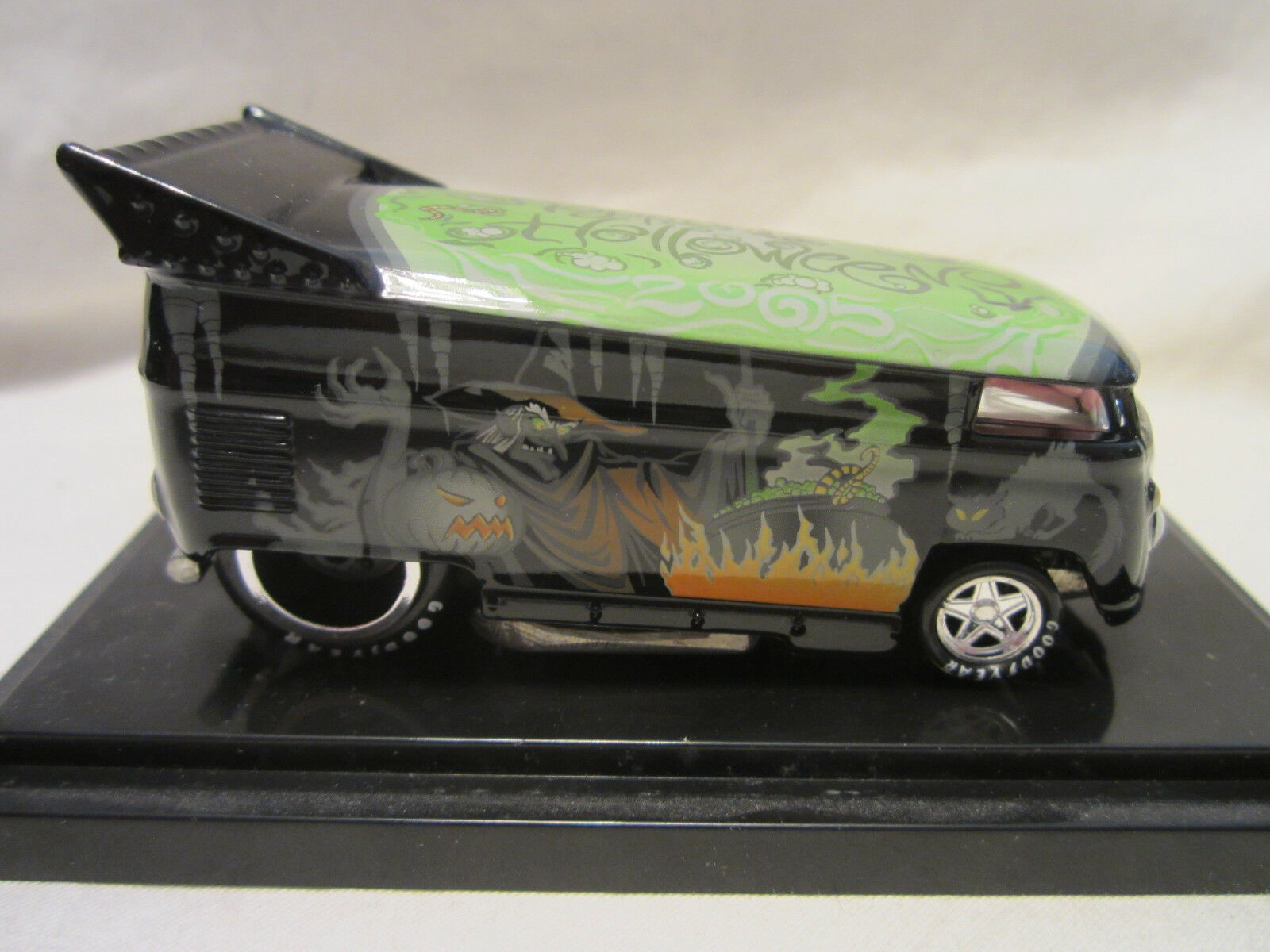 Hot Wheels Libertà Libertà Libertà Promozioni Happy Halloween VW Trascinare Bus Limitato 4a0dd5