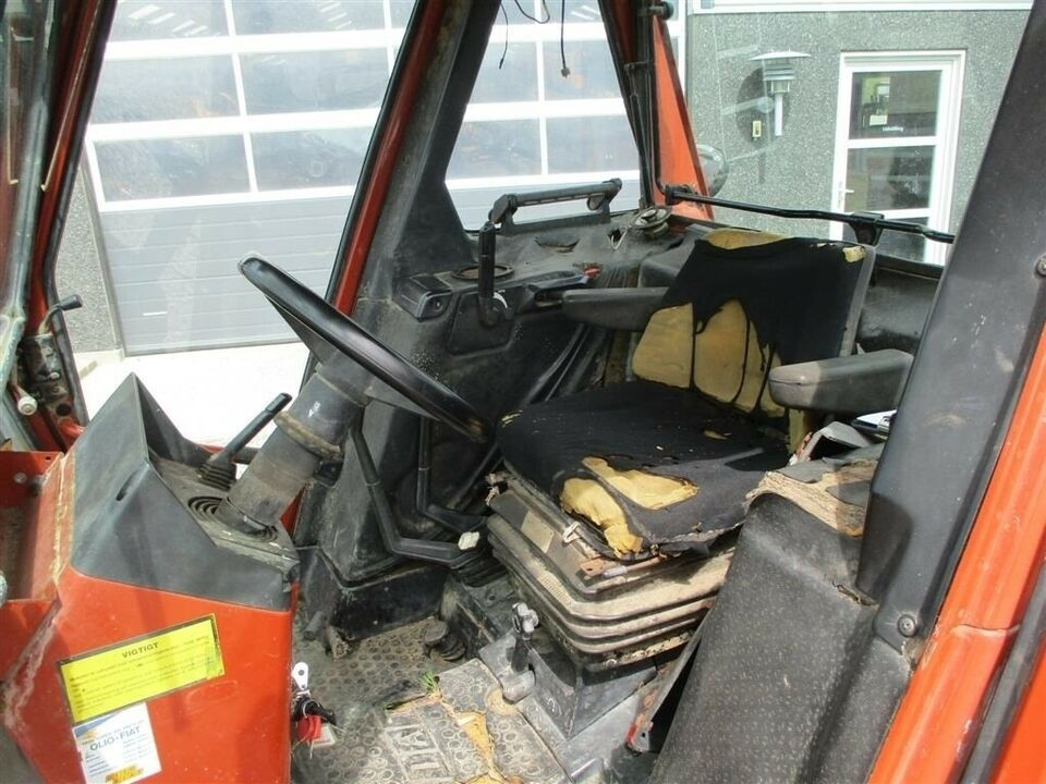 Fiat, 90-90 2WD Med gode bagdæk, timer 8858
