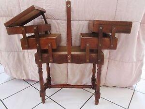 Ancien meuble de n cessaire couture travailleuse en bois for Meuble couture travailleuse